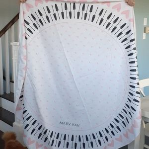 Giant Mary Kay round beach towel blanket ❤️